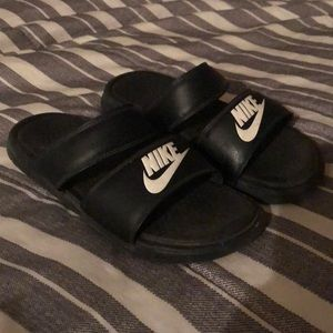 Nike women slides size 8 - 8 1/2